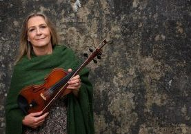 Mairéad Ní Mhaonaigh le fidil